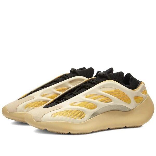 Adidas Yeezy Boost 700 V3 белые с желтым светящиеся (40-44)
